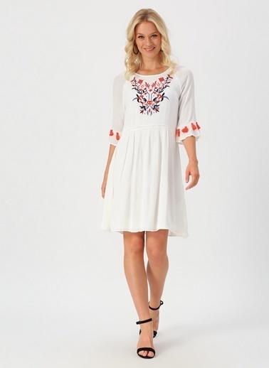 Only Only İşlemeli Beyaz Elbise Beyaz